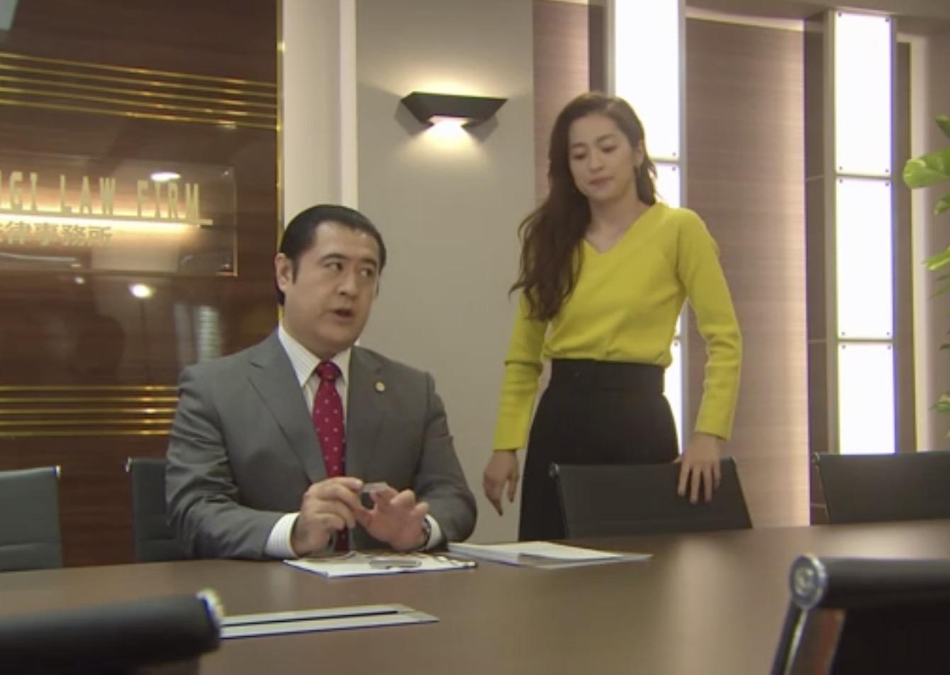 中村アンのファッション、ドラマ「SUITS/スーツ」第7話で着てたPINKY \u0026 DIANNEのスカート