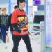 20181119 at 仁川国際空港 EXOのChanyeolが着ているBALENCIAGAのポロシャツ